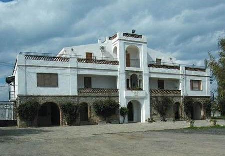 Masseria Battifarano Cantine Cerrolongo